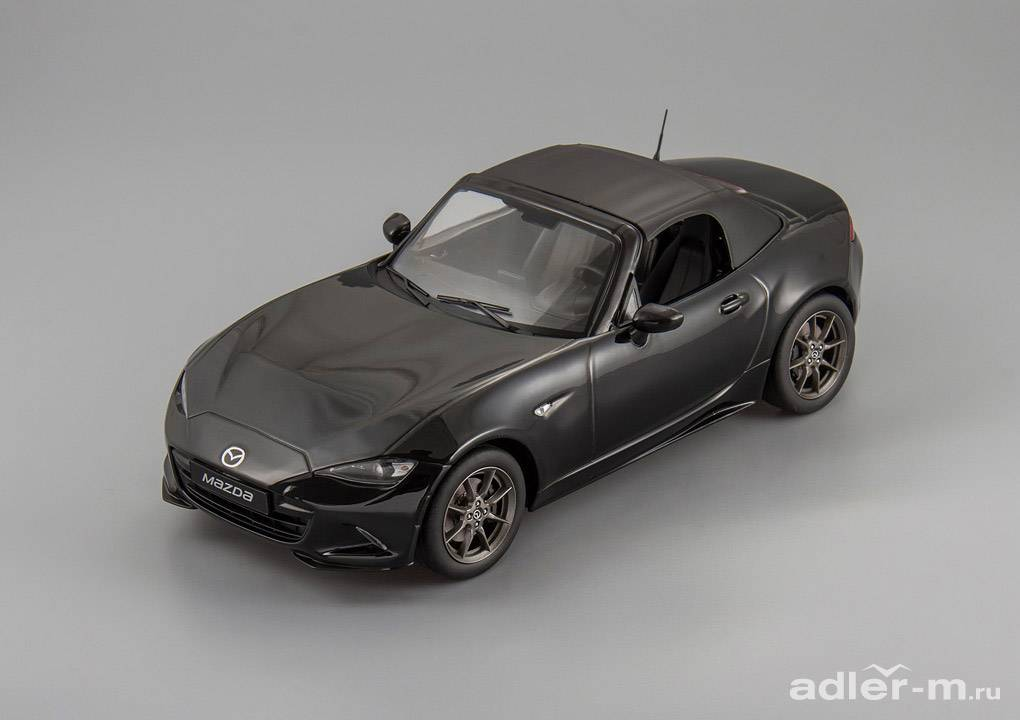 TRIPLE9 1:18 Mazda MX-5 with removable soft top 2015 (no opening doors) (black) T9-1800196